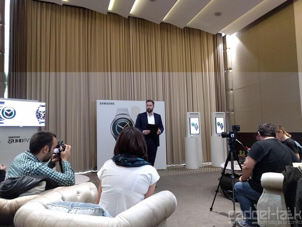 Samsung Gear S2 disponibil in Romania