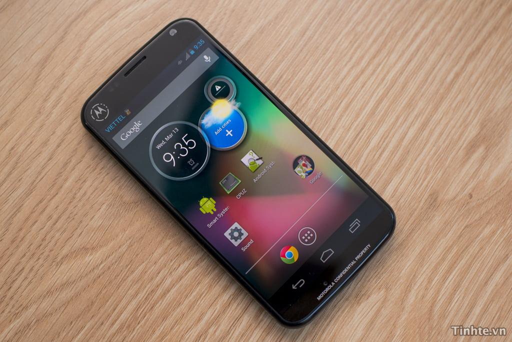 Telefon-Motorola-Xt912a-neanuntat (3)