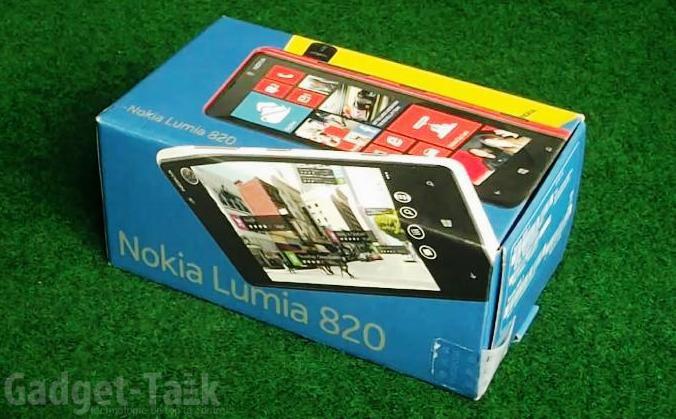 despachetare-nokia-lumia-820-unboxing