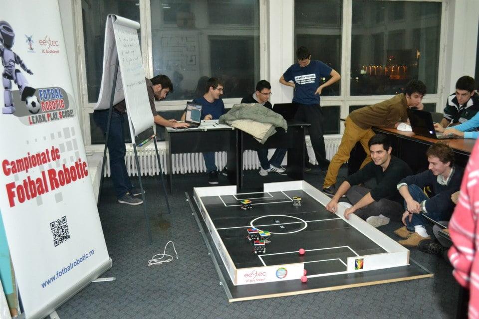 Campionatul de fotbal robotic