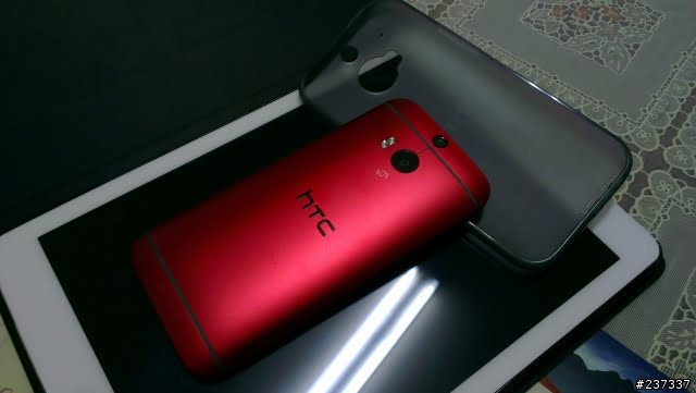 red-htc-one-m8-4