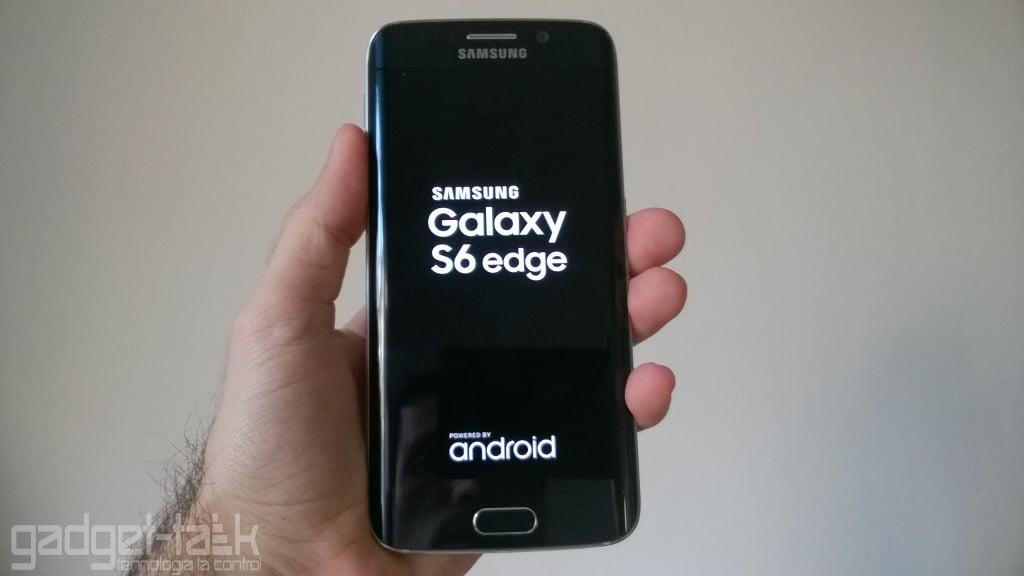 Constructia lui Galaxy S6 Edge