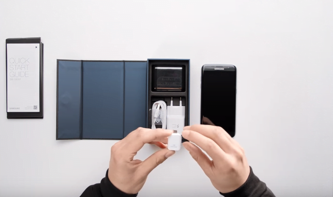 Ce contine cutia in care sunt livrate Galaxy S7 sau S7 Edge