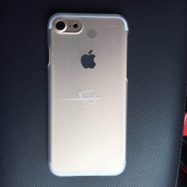 Cum ar putea arata telefoanele iPhone 7 si 7 Pro
