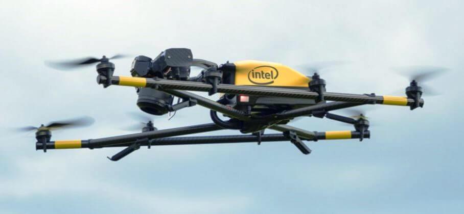 Intel anunta drona comerciala Falcon 8+