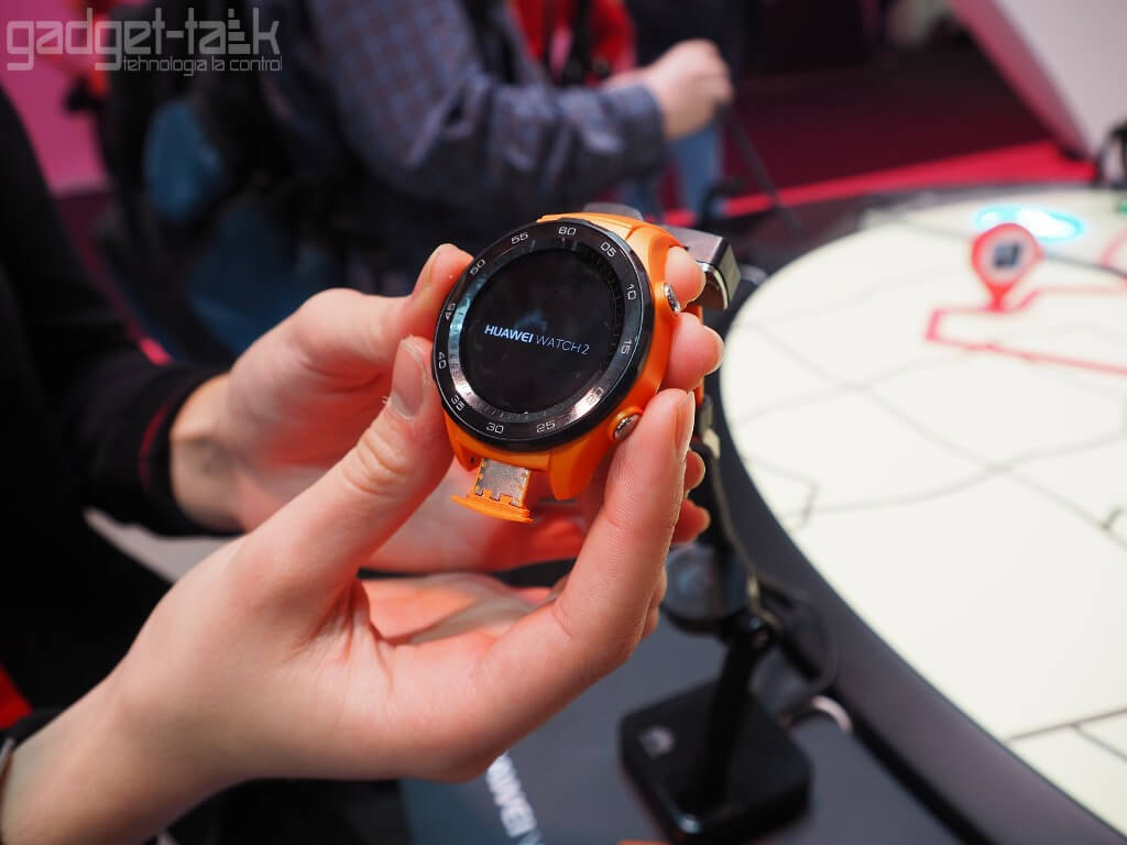 Huawei lanseaza Watch 2 cu slot GSM
