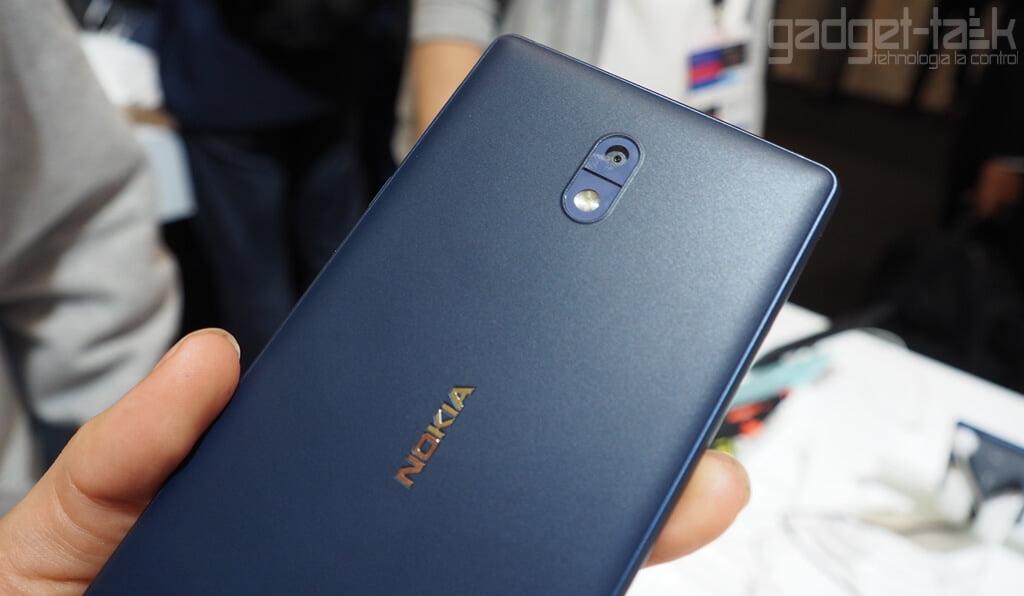 Specificatiile telefonului Nokia 9