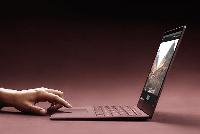 Microsoft anunta Surface Laptop