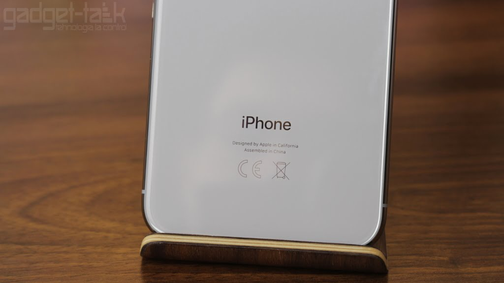 Unde schimb bateria telefonului iPhone