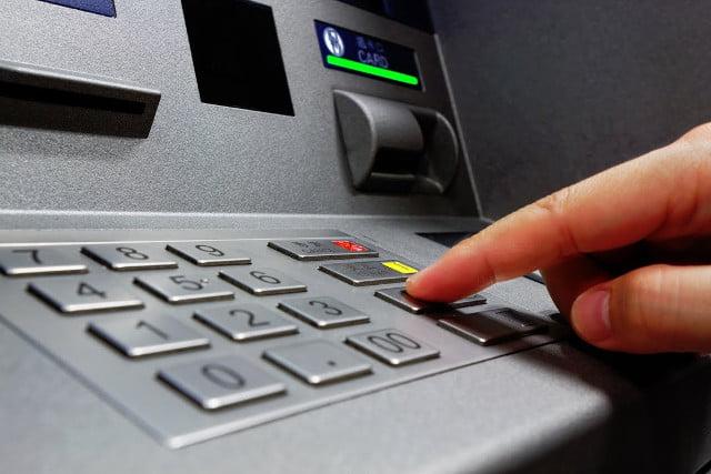Comisioanele bancare la bancomat