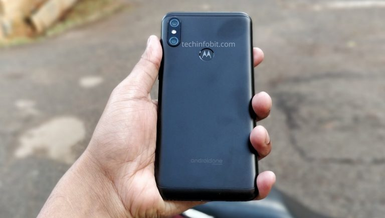 telefonul Moto One Power